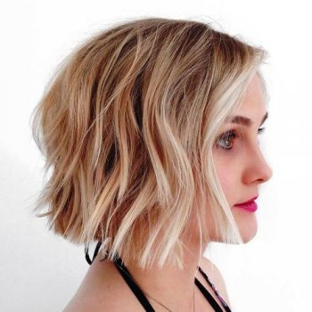 blunt wavy brown blonde bob