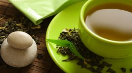 cup of green tea leaf