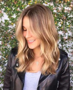 golden brown balayage tresses