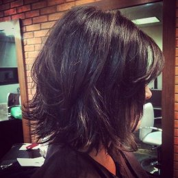 layered bob for dense tresses