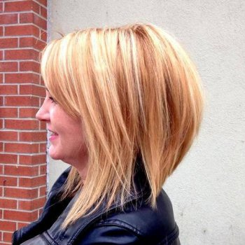 strawberry blond layered bob