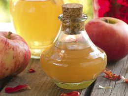 create an apple cider vinegar mask